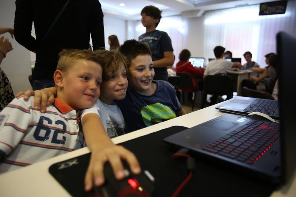jCoders kids playing