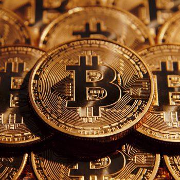 Monedhat kriptografike humbasin 13 miliardë dollarë në vetëm 3 orë