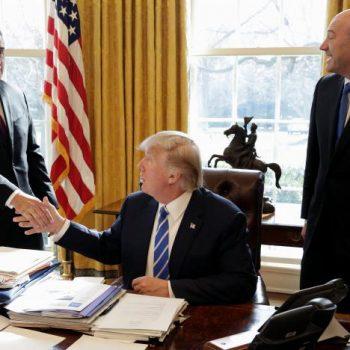 Intel i nënshtrohet Trump, lajmëron ndërtimin e një fabrike 7 miliard dollarëshe në SHBA