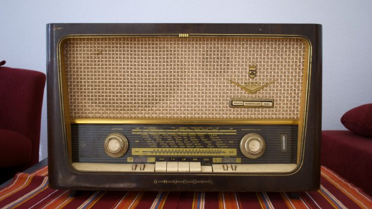 Radiot tradicionale burimi kryesor i kërkimit dhe dëgjimit të muzikës