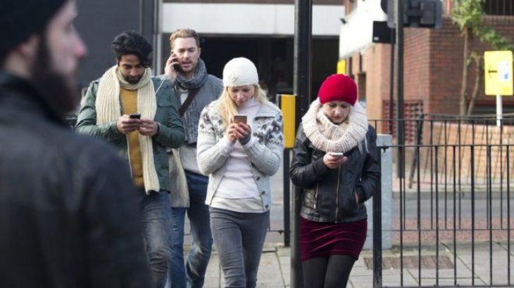 Përdorimi i telefonëve një prej shkaqeve kryesor të aksidenteve fatale
