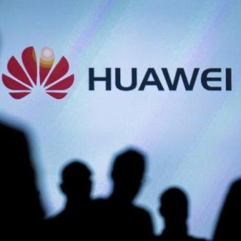 Huawei premton telefonin me ekran me palosje brenda një viti