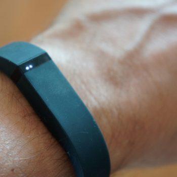 Rripi fitnesit Fitbit Flex 2 shkakton djegie të rënda një gruaje në Shtetet e Bashkuara