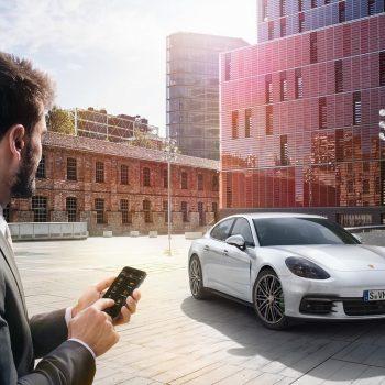 Porsche hap një qendër teknologjike në Luginën e Silikonit