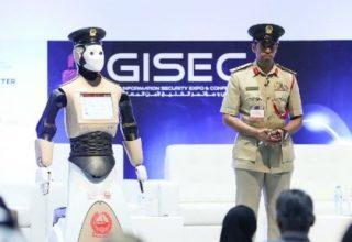 Roboti policor merr detyrën në Dubai