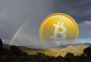 Një Bitcoin këmbehej të Shtunën me 2,000 dollar