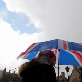 Ligjvënësit Britanik kritikojnë ashpër median sociale