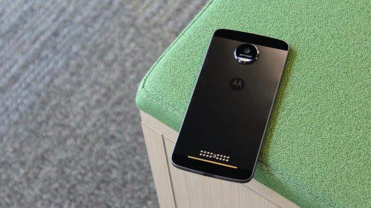 Motorola prezanton nesër një telefon të ri
