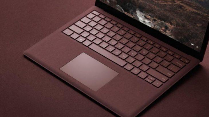 Publikohen imazhe të një laptopi Surface me kosto të ulët