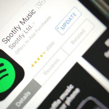 Spotify ka 140 milion përdorues, 50 milion abonentë me pagesë
