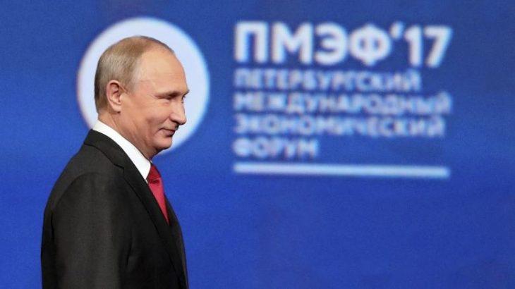 Putin mbështet Trump, thotë hakimi i Partisë Demokratike është skenar i inteligjencës Amerikane