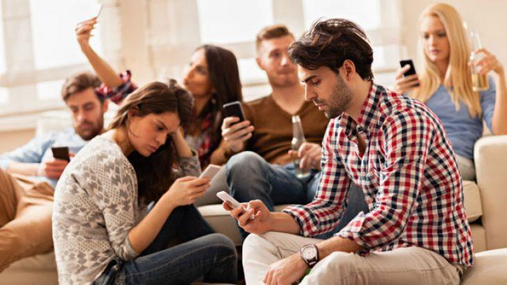 Fakt shkencor: telefoni juaj ju bën më budallenj