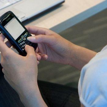 AKEP: Shqiptarët shpenzojnë mesatarisht 1.85GB internet në muaj nga celulari
