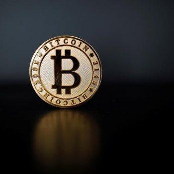 Bitcoin i shpëton ndarjes, miratohet përditësimi i rrjetit