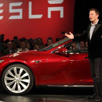 Historike, Tesla bëhet një kompani fitimprurëse