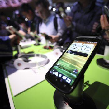 HTC eksploron mundësinë e shitjes së biznesit Vive por edhe kompanisë