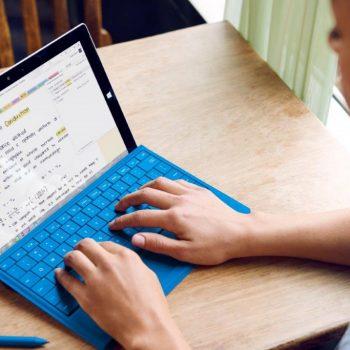 """Microsoft ka në plan një tablet """"low-cost"""" për të rivalizuar iPad"""