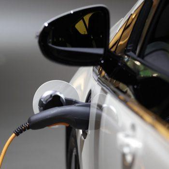 Norvegjia udhëheq Evropën drejt epokës së makinave elektrike