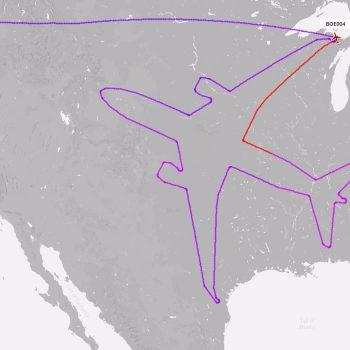 """Boeing shpenzoi 18 orë për të """"vizatuar"""" një 787 Dreamliner në qiejt e Amerikës"""