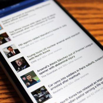 Facebook lançon Trending News në aplikacionet mobile