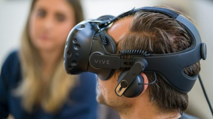 HTC ul në 600 dollar çmimin e pajisjeve të realitetit virtual Vive