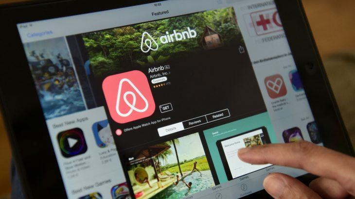 Airbnb sjell rezervimet e restoranteve krahas banesave me qira