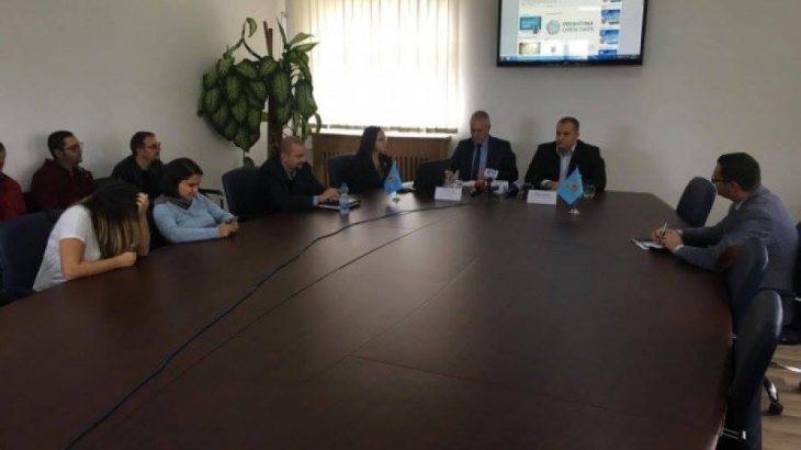 """""""Prishtina Open Data"""" kthen besimin e qytetarëve tek institucionet publike përmes transparencës online"""