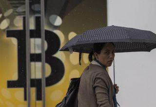 Bitcoin në udhëkryq pas zhvlerësimit me pothuajse 20 miliard dollar