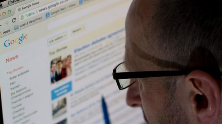 "Google braktis politikën kontroverse ""first click free"""