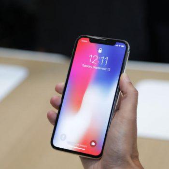Java e parë e shitjeve të iPhone X pritet të sjellë probleme për Apple