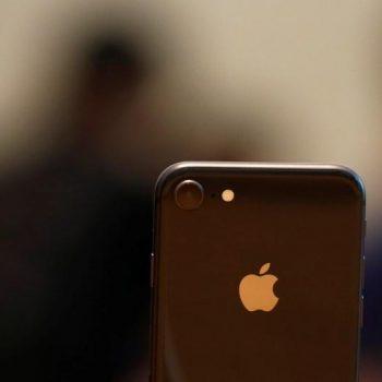 Një iPhone 8 anemike dëmton rëndë besimin e investitorëve tek Apple