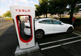 Tesla ndërton fabrikën e parë jashtë Shteteve të Bashkuara