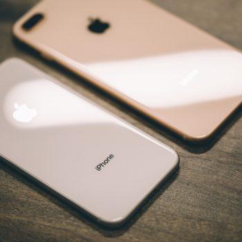 Bateritë e iPhone 8 Plus fryhen dhe shkaktojnë hapjen e kapakëve të telefonit
