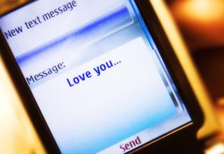 25 vite më parë u dërgua mesazhi i parë nga një telefon