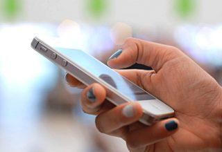 Telefonët inteligjentë mbajnë botën online