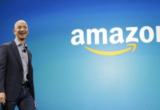 Pasuria e bosit të Amazon arrin në 100.3 miliard dollar