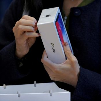 Apple zbuloi një punësim ilegal të studentëve në një fabrikë të iPhone X në Kië