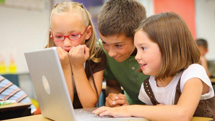 Fëmijët po humbin aftësinë për të biseduar për shkak të teknologjisë