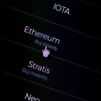 Krahas rekordeve të Bitcoin, Ethereum kalon 750 dollarët ndërsa Dash i afrohet 1,000 dollarëve