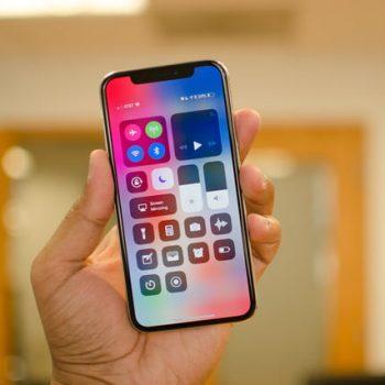 Samsung përfiton 22 miliard dollarë të ardhura nga ekranet OLED të iPhone X