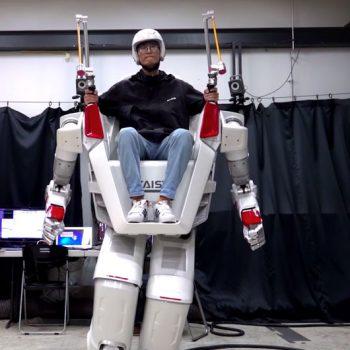 """""""Ironman"""" nga Korea, FX-2 i jep krahë fantazisë"""