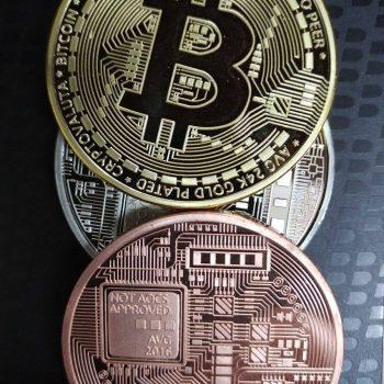 Paqëndrueshmëria e vlerës së Bitcoin në pikën më të ulët që prej 2016-ës
