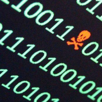 Policia Tajvaneze shpërblen pjesëmarrësit në një garë kibernetike me hardisqe të infektuara