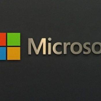 Microsoft vlerësohet me mbi 800 miliardë dollarë