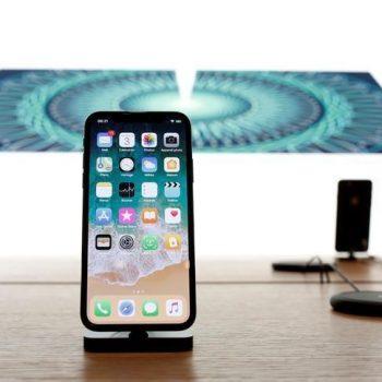 A është ekrani i iPhone X më i vogël sesa reklamon Apple? Dy padi thonë Po