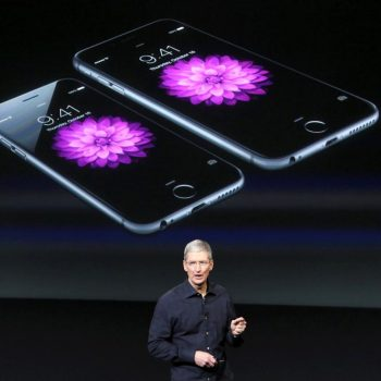 Një senator Amerikan kërkon sqarime nga Apple për reduktimin e performancës së modeleve të vjetra