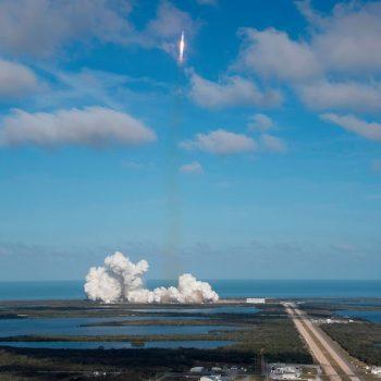"""Lëshohet me sukses raketa hapësinore e """"Space X"""""""