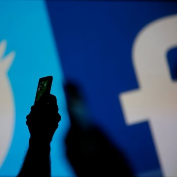BE kritika në drejtim të Facebook dhe Twitter