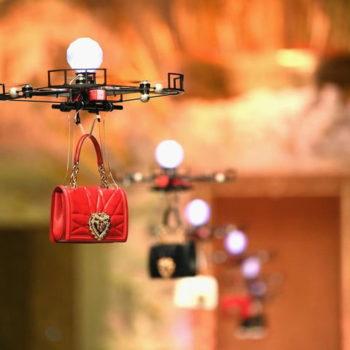 Dolce & Gabbana përdor dronë në pasarela