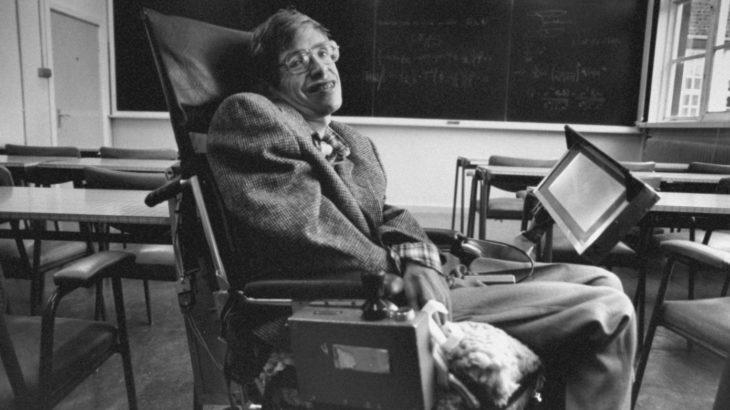 Ndahet nga jeta në moshën 76 vjeçare fizikani Stephen Hawking